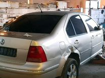 Volkswagen Bora 1.6AT, 2004, битый, 25000км