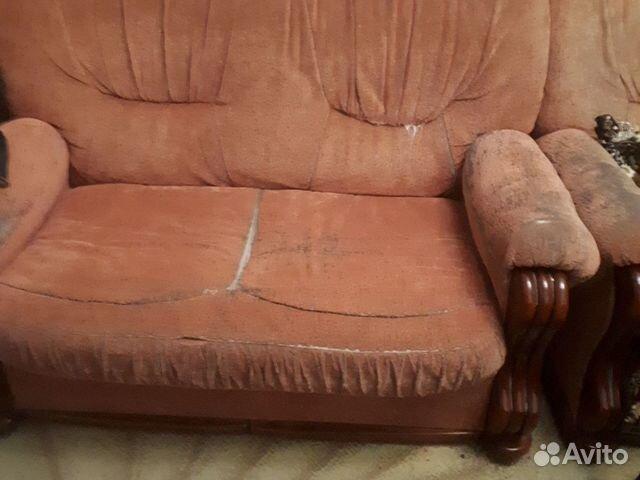 Мягкая мебель 4ка, обивку нужно обновить, а так вс
