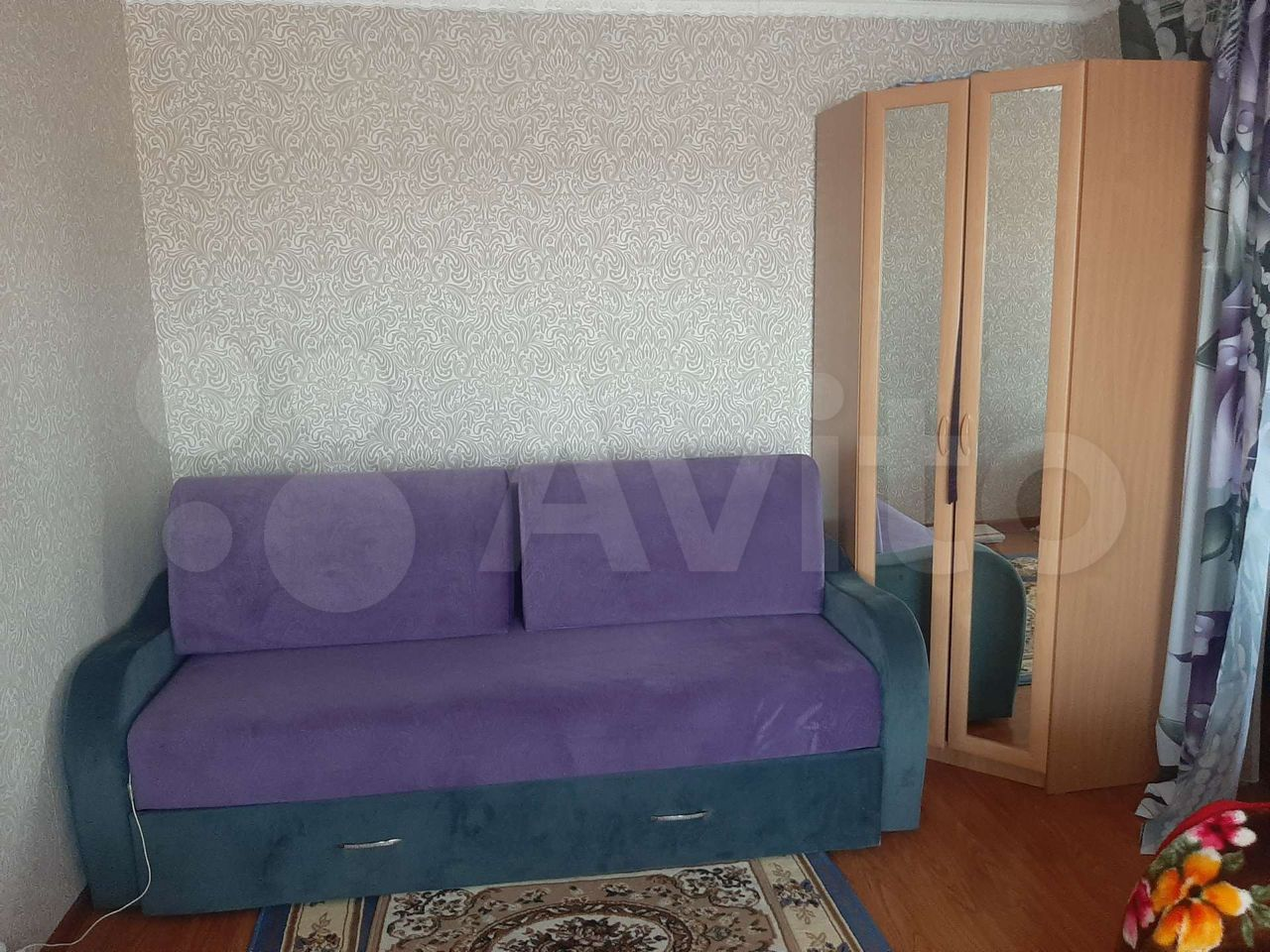 1-room apartment, 32 m2, 4/5 floor.  89642394476 buy 2
